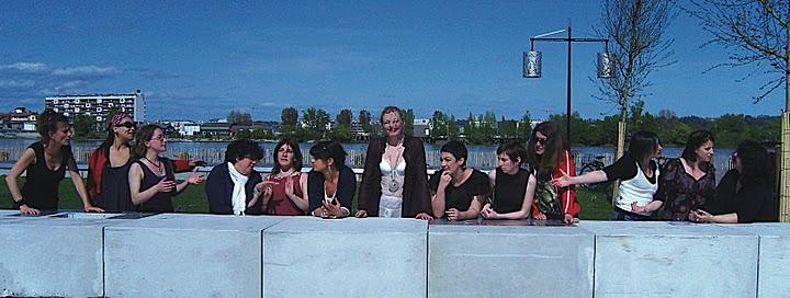 Nathalie André, Nous les filles, on fait des cènes, 2009