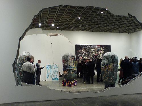 Urs Fischer, Whitney Museum, 2006