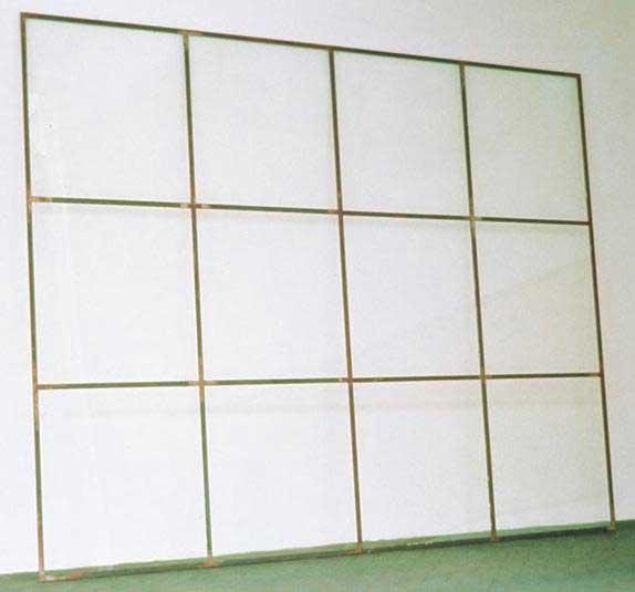 alighiero-e-boetti-niente-da-vedere-niente-da-nascondere-vetrata-1969-86.jpg