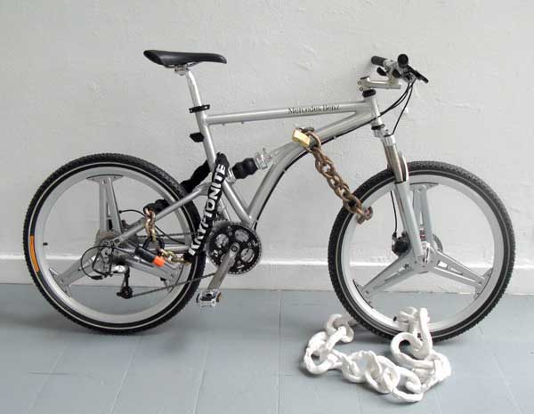 rainer-ganahl-don-t-steal-my-mercedes-benz-bicycle-2007.jpg